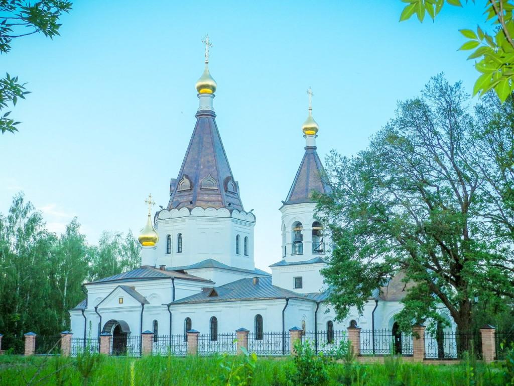 Красная Горбатка. Церковь Сергия и Никона Радонежских