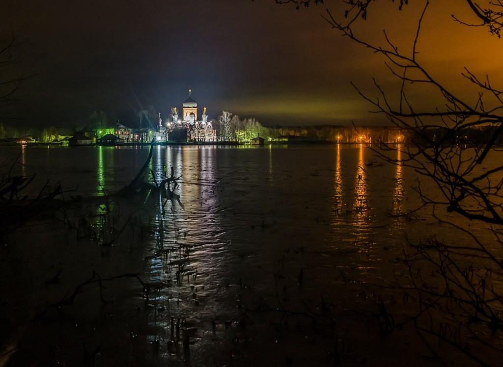 Свято-Введенский Островной монастырь 01