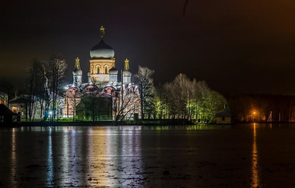 Свято-Введенский Островной монастырь 02