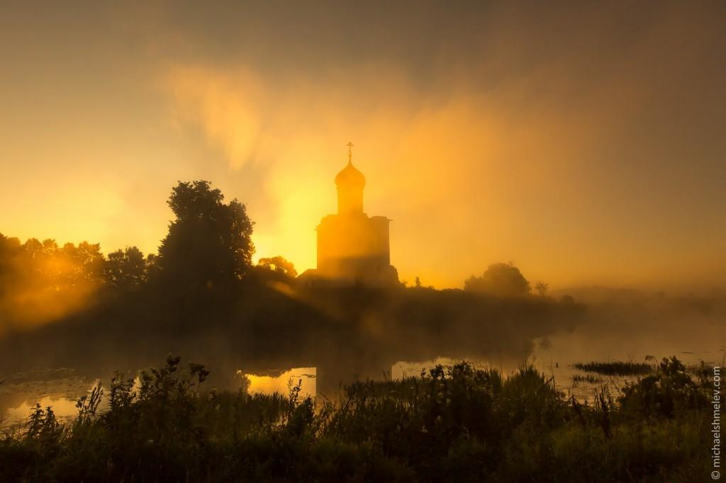 Тайны церкви в Боголюбово 01