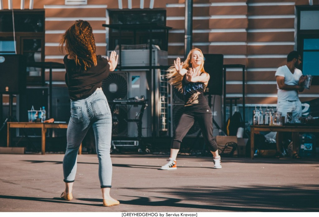 Танцы на свежем воздухе во Владимире 010