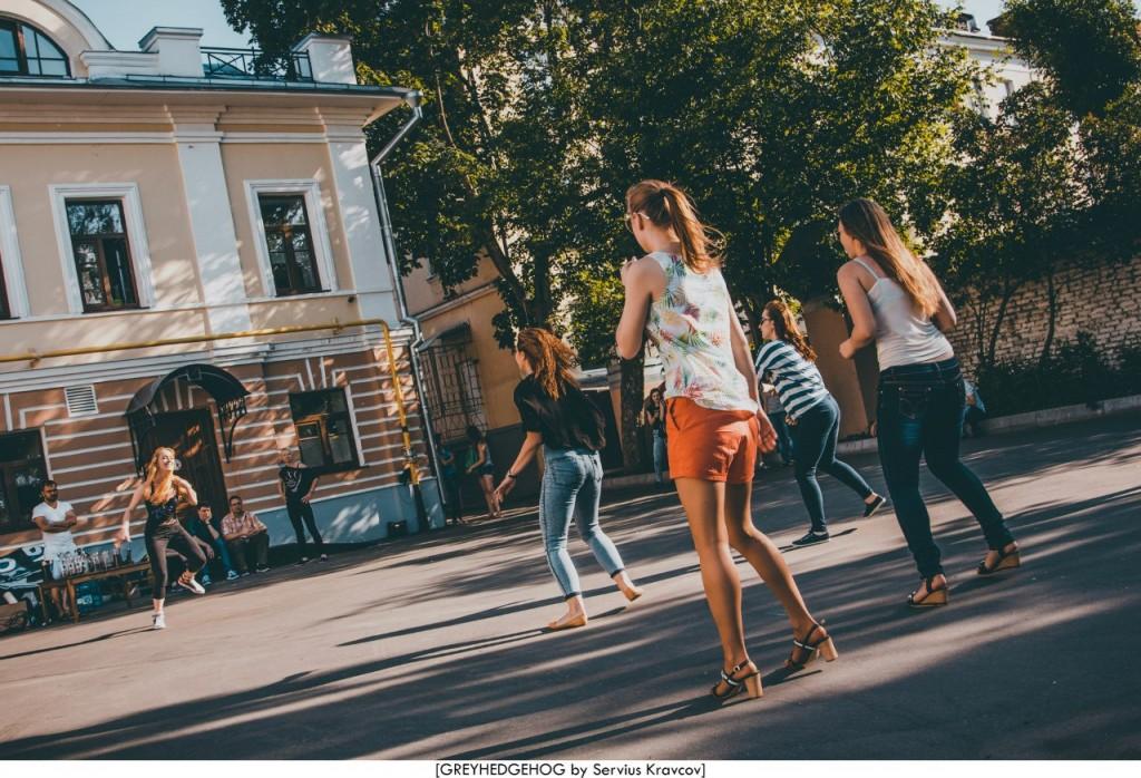 Танцы на свежем воздухе во Владимире 015