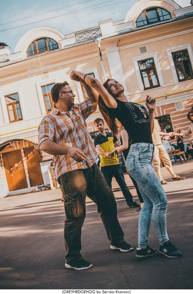 Танцы на свежем воздухе во Владимире 025