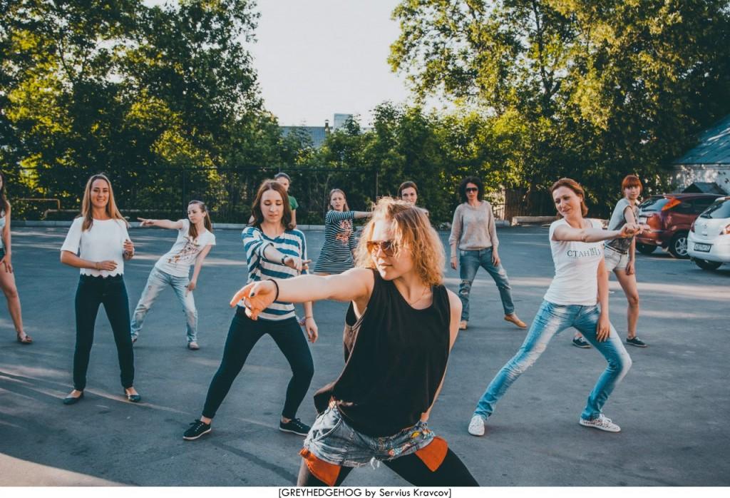 Танцы на свежем воздухе во Владимире 061