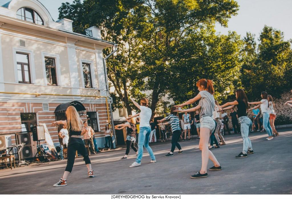 Танцы на свежем воздухе во Владимире 067