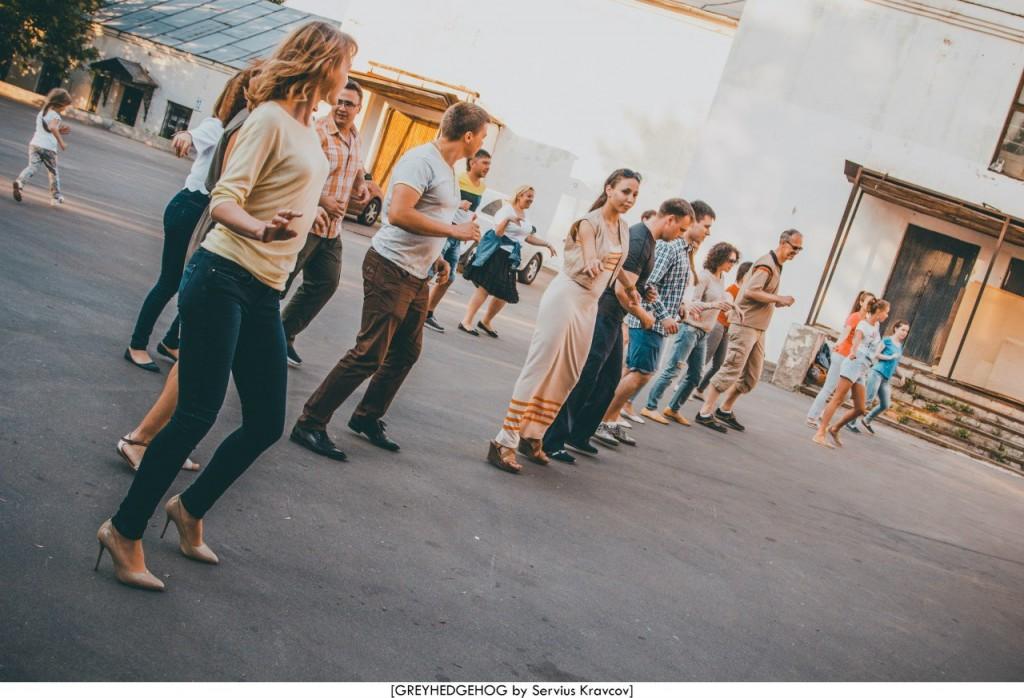 Танцы на свежем воздухе во Владимире 096