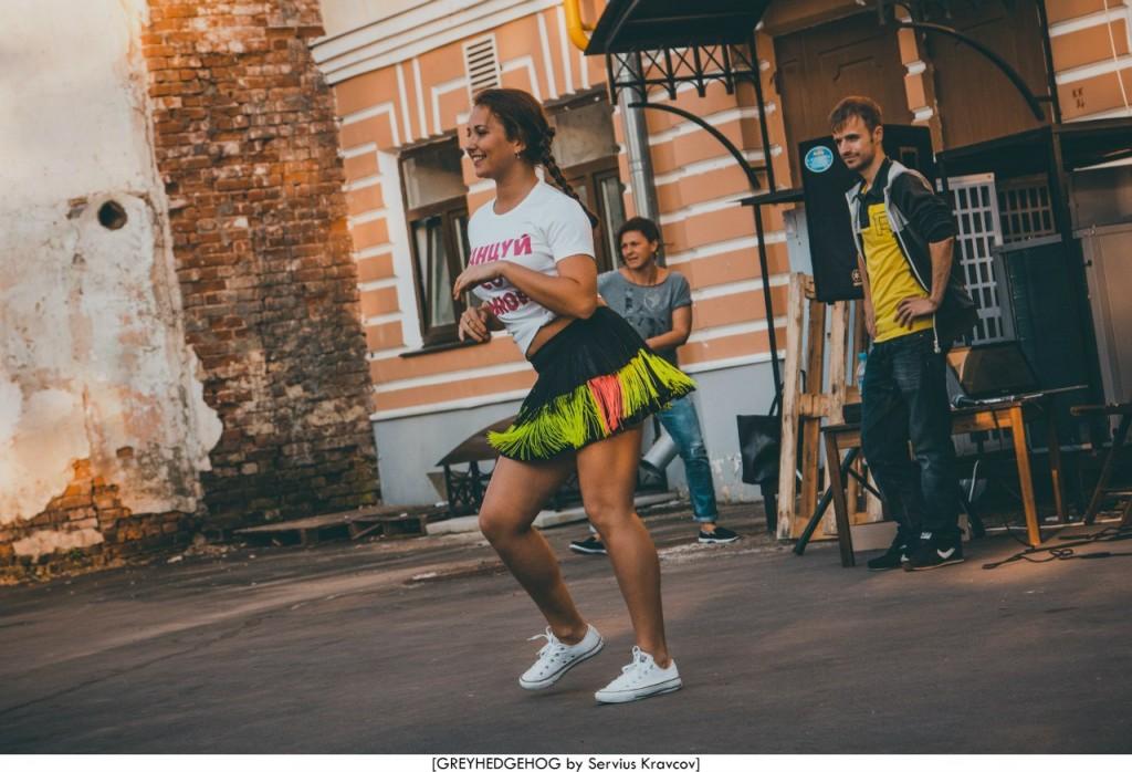 Танцы на свежем воздухе во Владимире 097