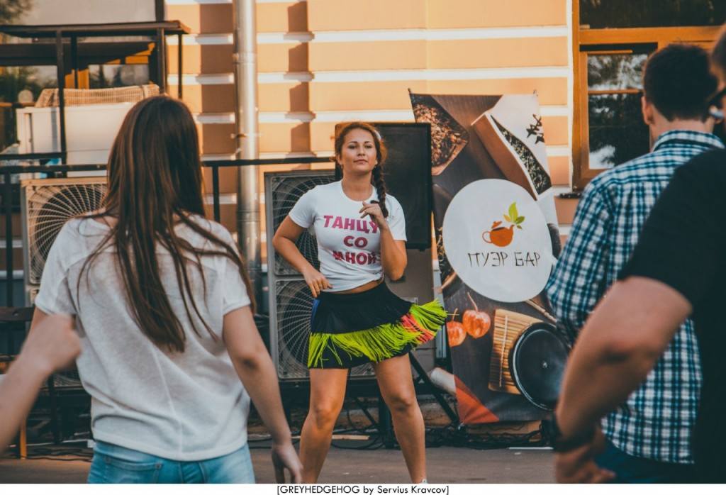 Танцы на свежем воздухе во Владимире 099