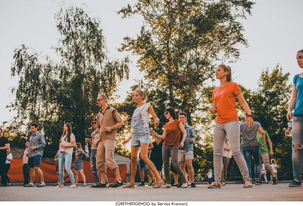 Танцы на свежем воздухе во Владимире 104