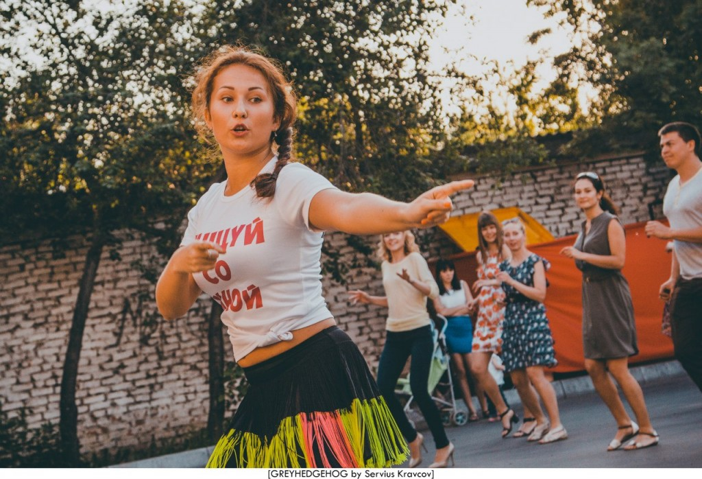 Танцы на свежем воздухе во Владимире 105