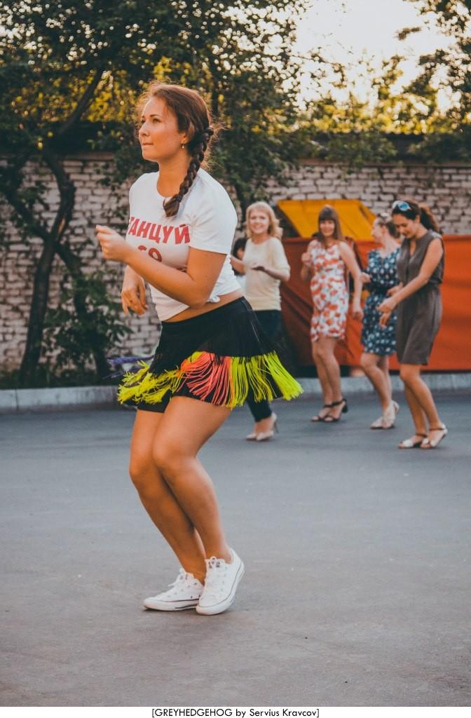 Танцы на свежем воздухе во Владимире 107