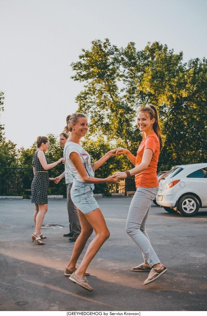 Танцы на свежем воздухе во Владимире 110