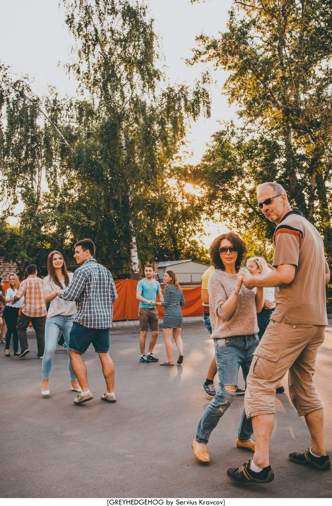 Танцы на свежем воздухе во Владимире 111