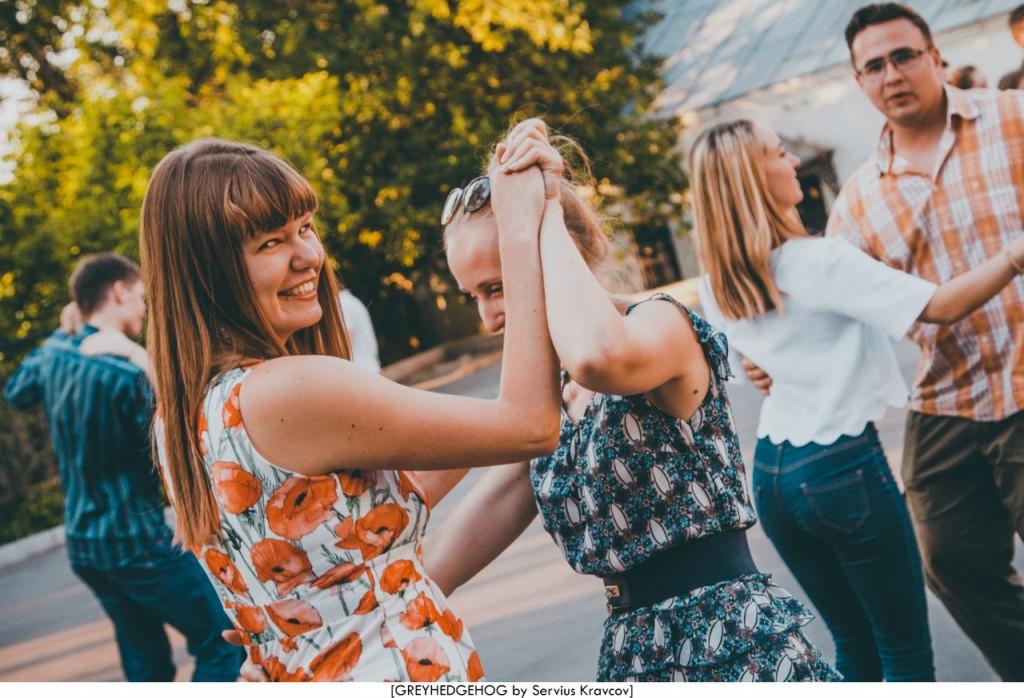 Танцы на свежем воздухе во Владимире 113