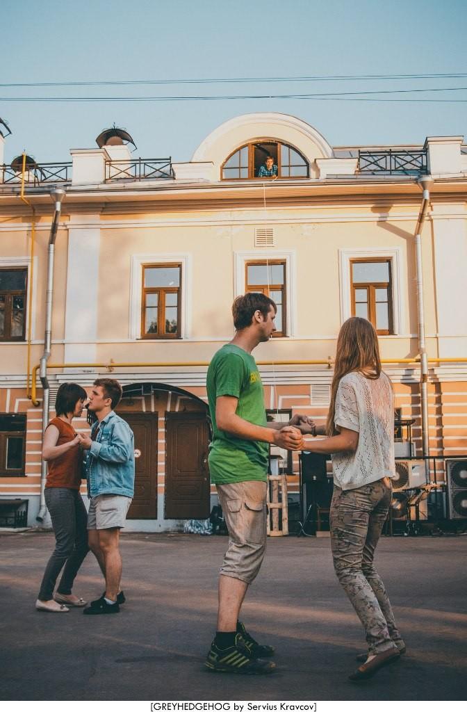 Танцы на свежем воздухе во Владимире 117