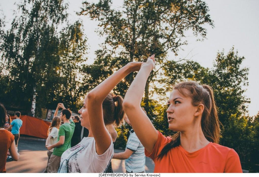 Танцы на свежем воздухе во Владимире 118
