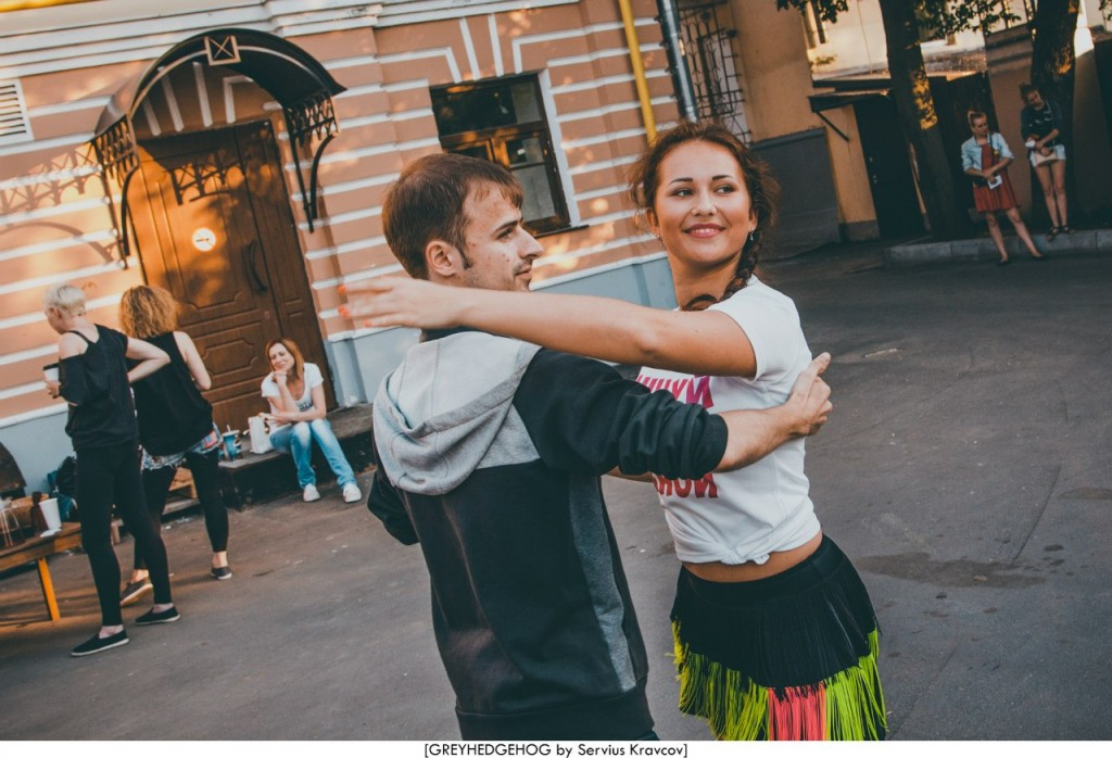 Танцы на свежем воздухе во Владимире 121