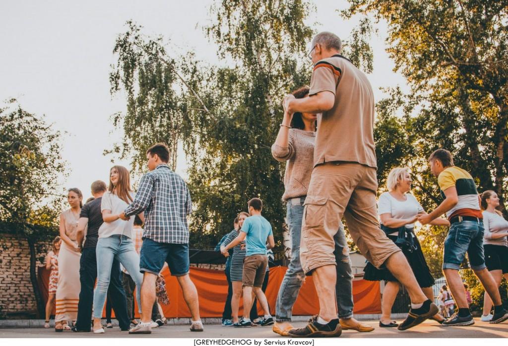 Танцы на свежем воздухе во Владимире 124