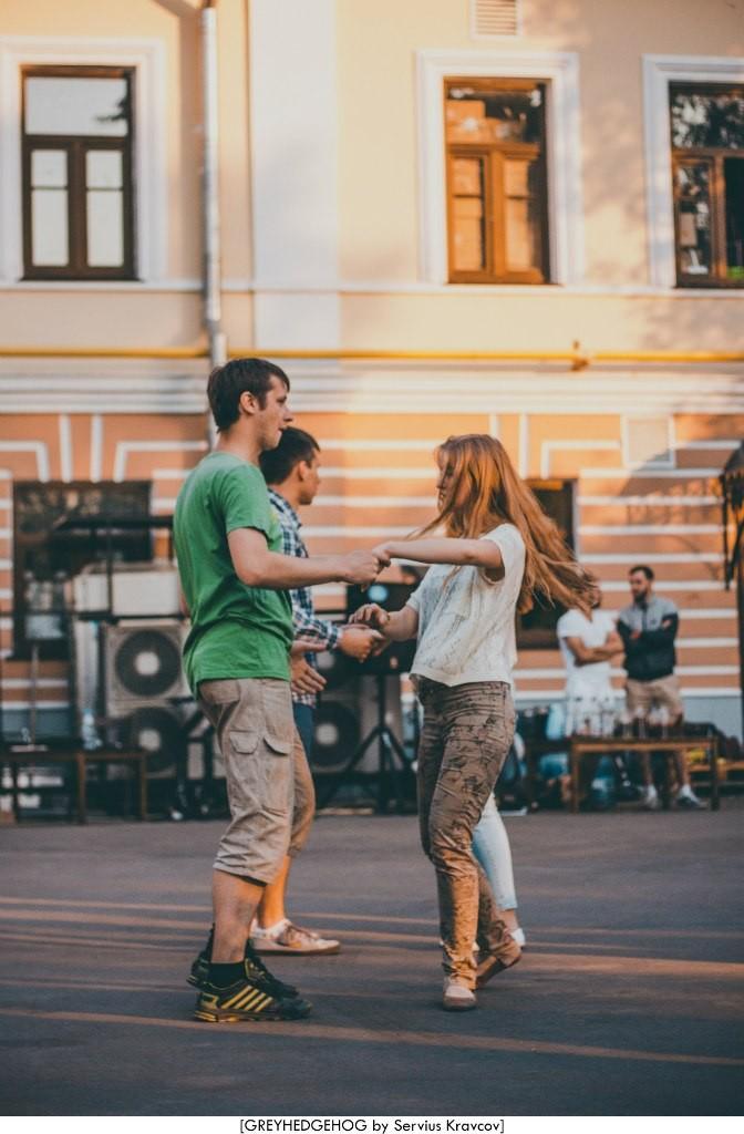 Танцы на свежем воздухе во Владимире 132