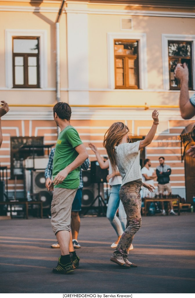 Танцы на свежем воздухе во Владимире 133