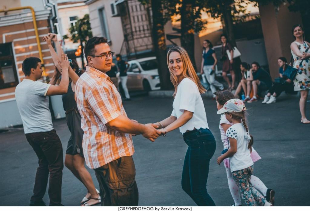 Танцы на свежем воздухе во Владимире 141