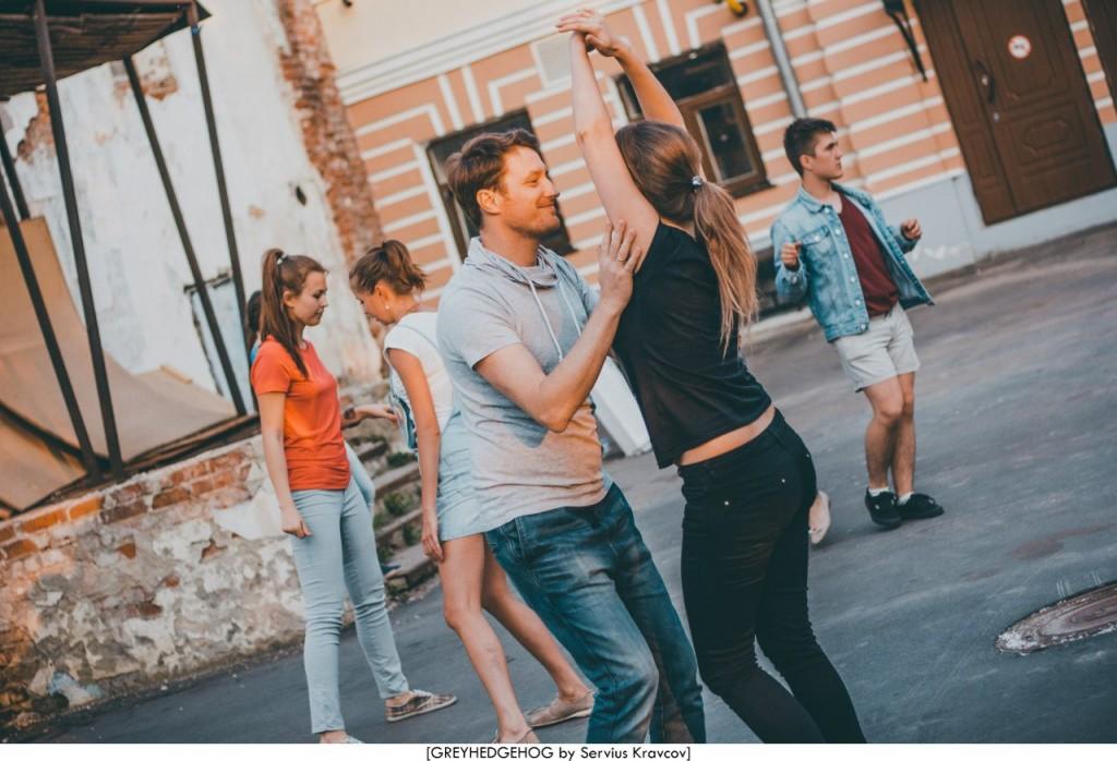 Танцы на свежем воздухе во Владимире 143