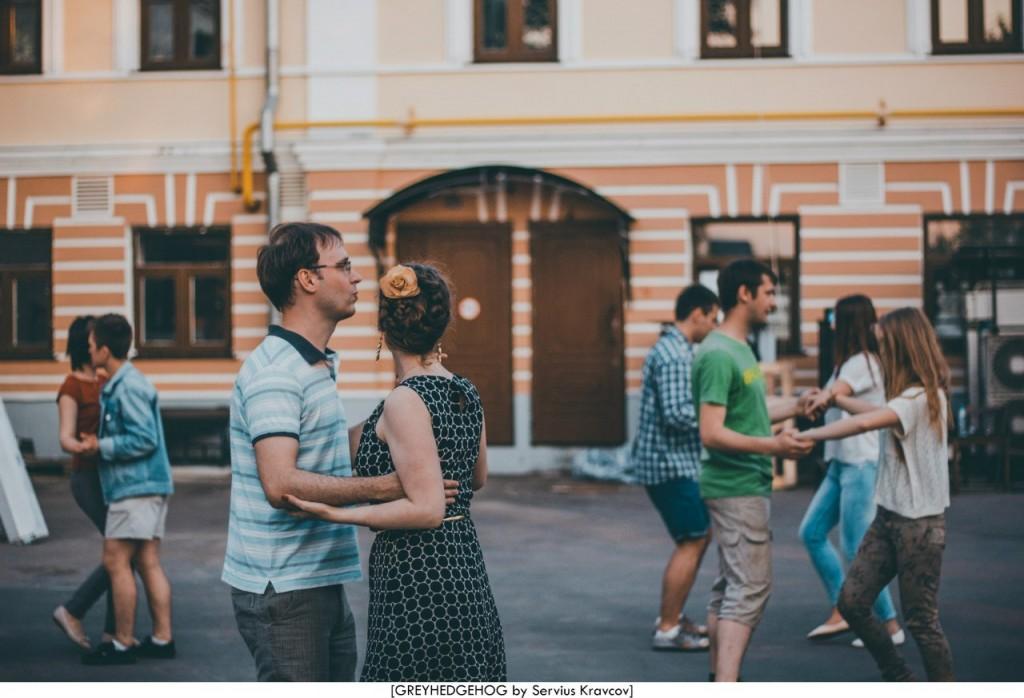 Танцы на свежем воздухе во Владимире 144