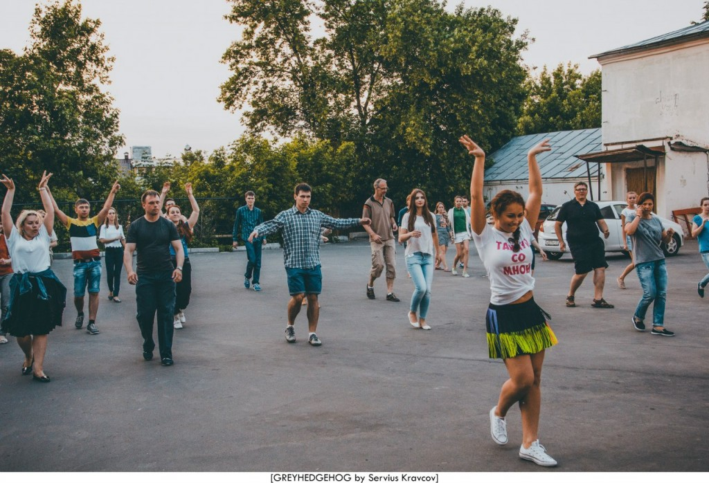Танцы на свежем воздухе во Владимире 152