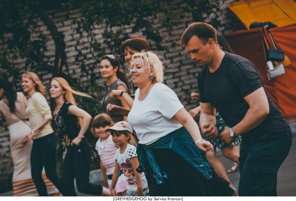 Танцы на свежем воздухе во Владимире 154