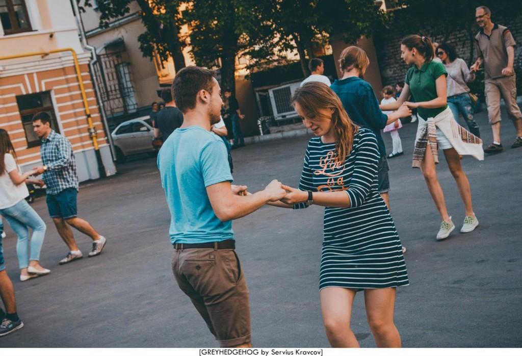 Танцы на свежем воздухе во Владимире 157