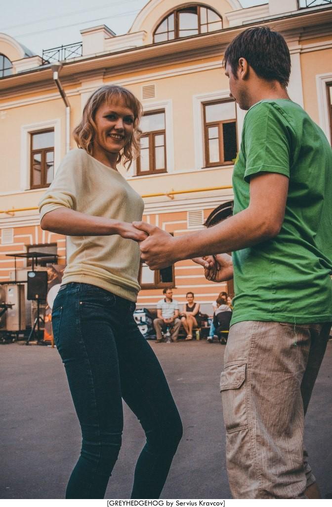 Танцы на свежем воздухе во Владимире 159