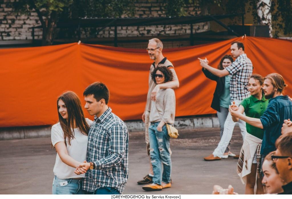 Танцы на свежем воздухе во Владимире 164