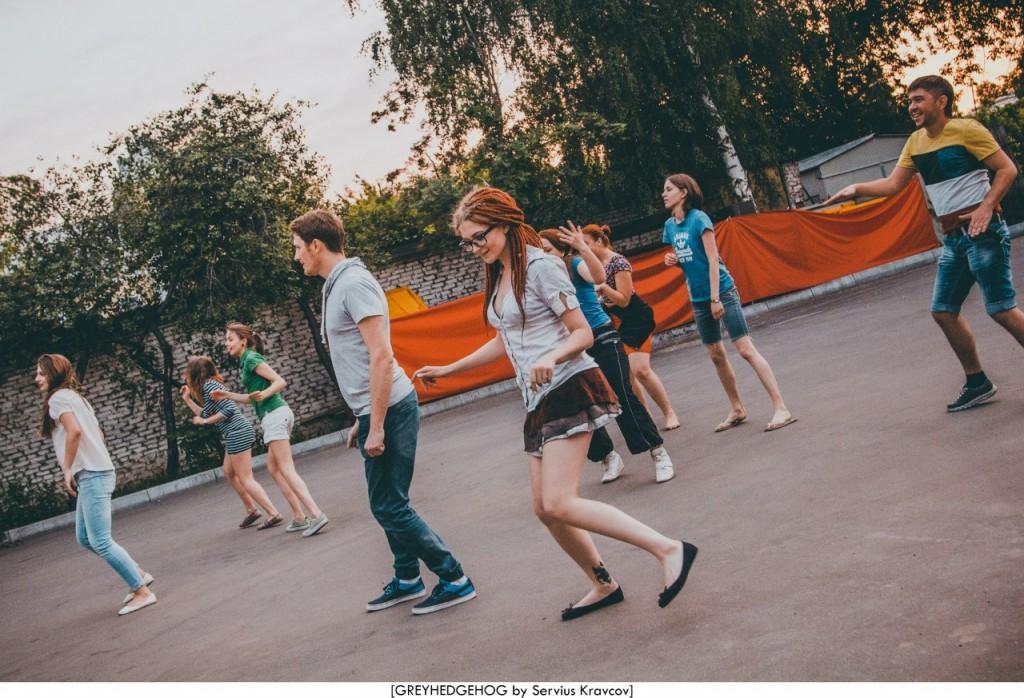 Танцы на свежем воздухе во Владимире 176