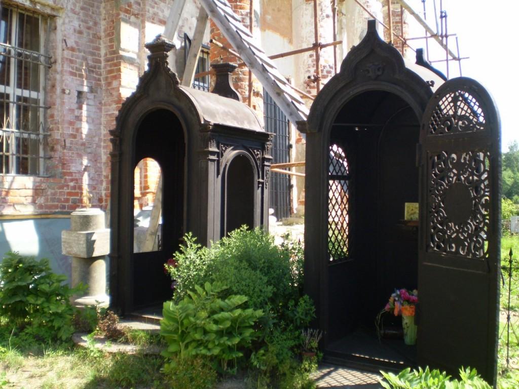 Часовни на могилах Стромиловых в с. Волохово 04