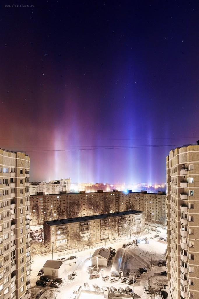 Световые столбы над Владимиром 02
