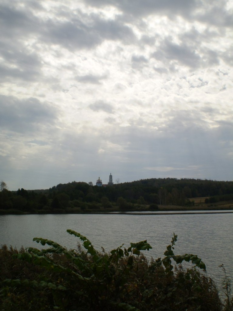 Вид на Борисо-Глебский погост около Радужного (сентябрь 2012 г.) 02