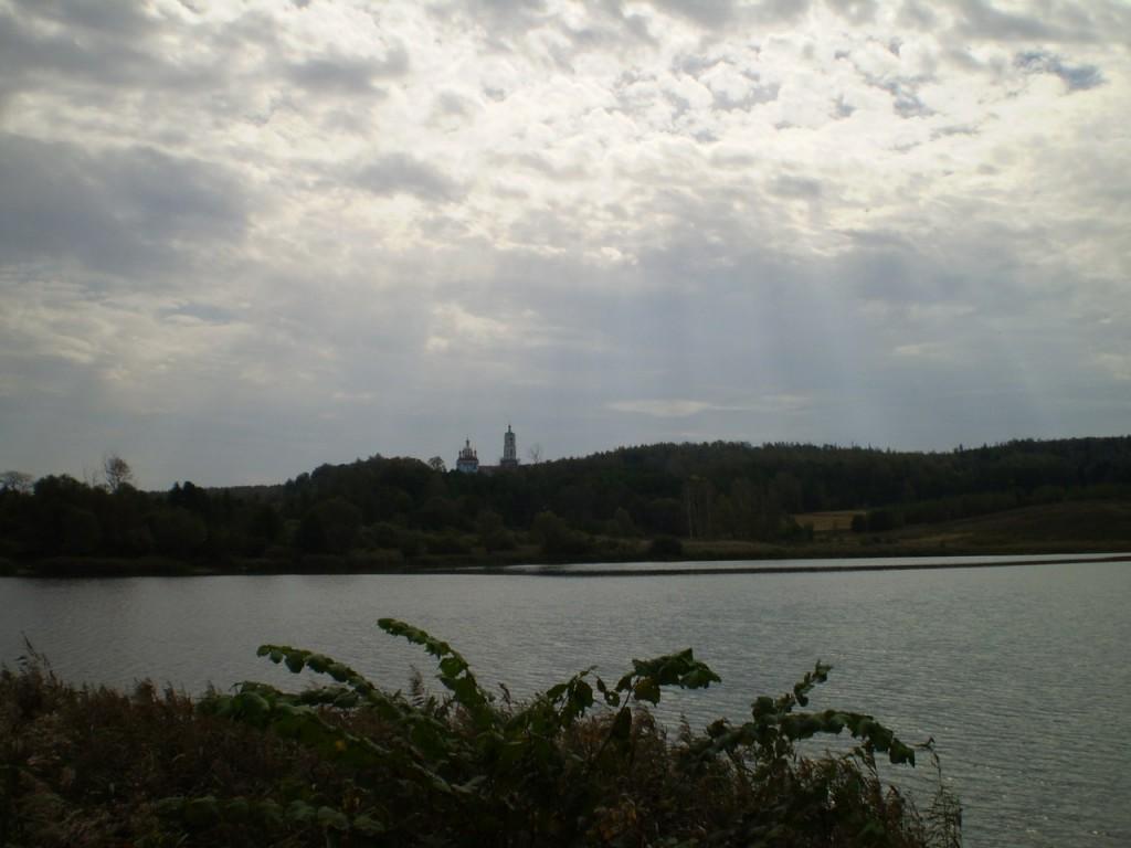 Вид на Борисо-Глебский погост около Радужного (сентябрь 2012 г.) 04