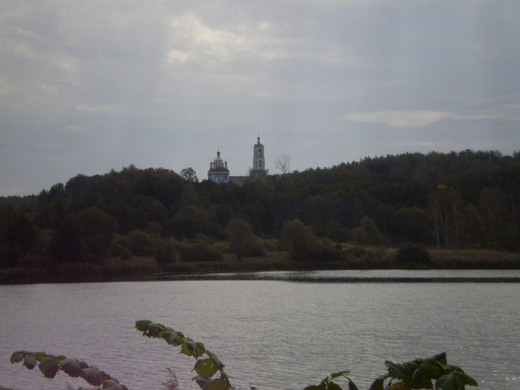 Вид на Борисо-Глебский погост около Радужного (сентябрь 2012 г.) 05