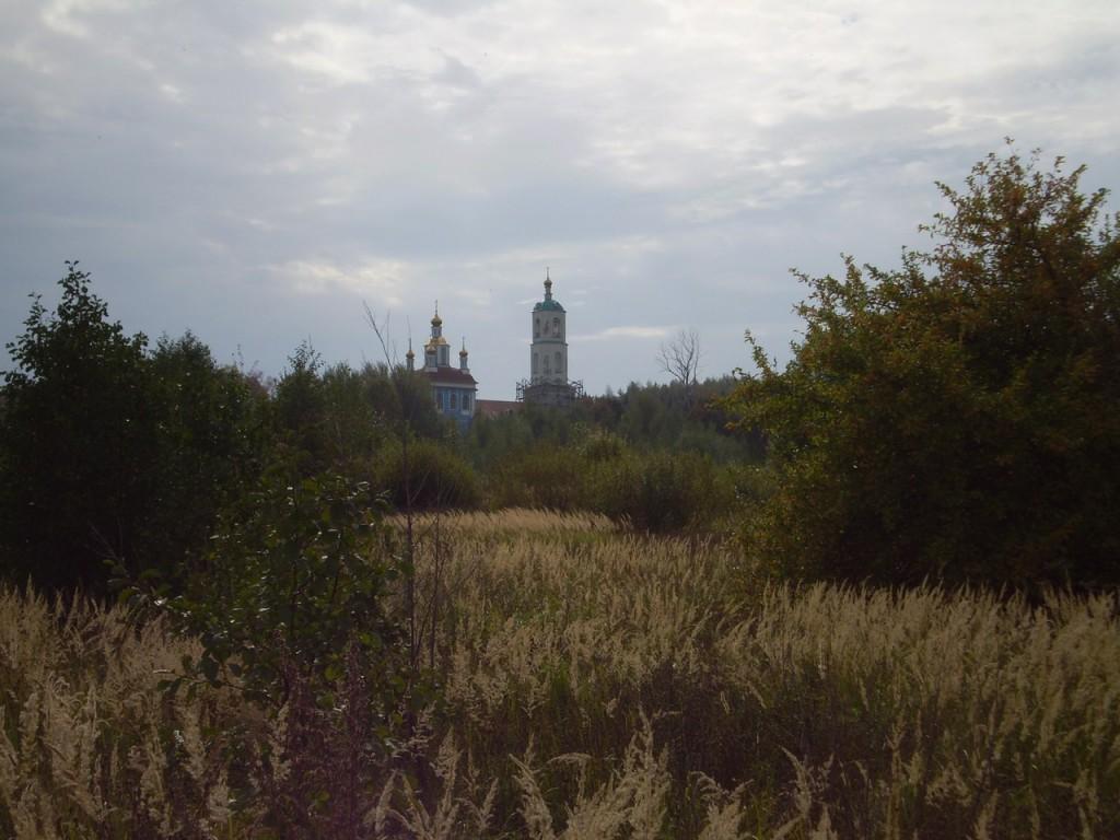 Вид на Борисо-Глебский погост около Радужного (сентябрь 2012 г.) 06