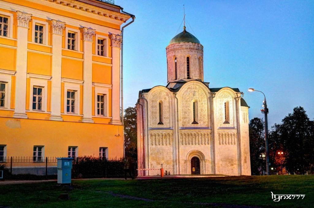 Дмитриевский собор во Владимире 01