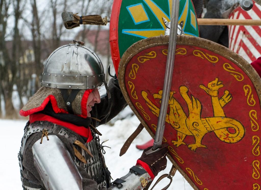 Реконструкция битвы татаро-монголов с русичами в Боголюбово 01