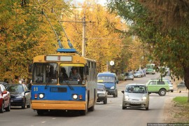 Яркий осенний ковровский троллейбус