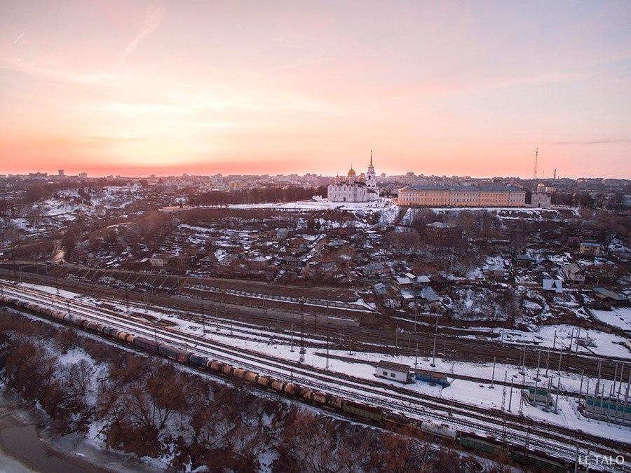 Вид на Владимир с высоты со стороны железной дороги