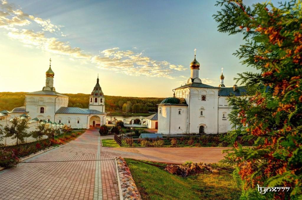 Космо-Яхромской монастырь, село Небылое 01