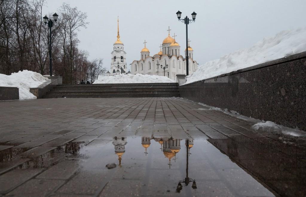 Март и лужи во Владимире 03