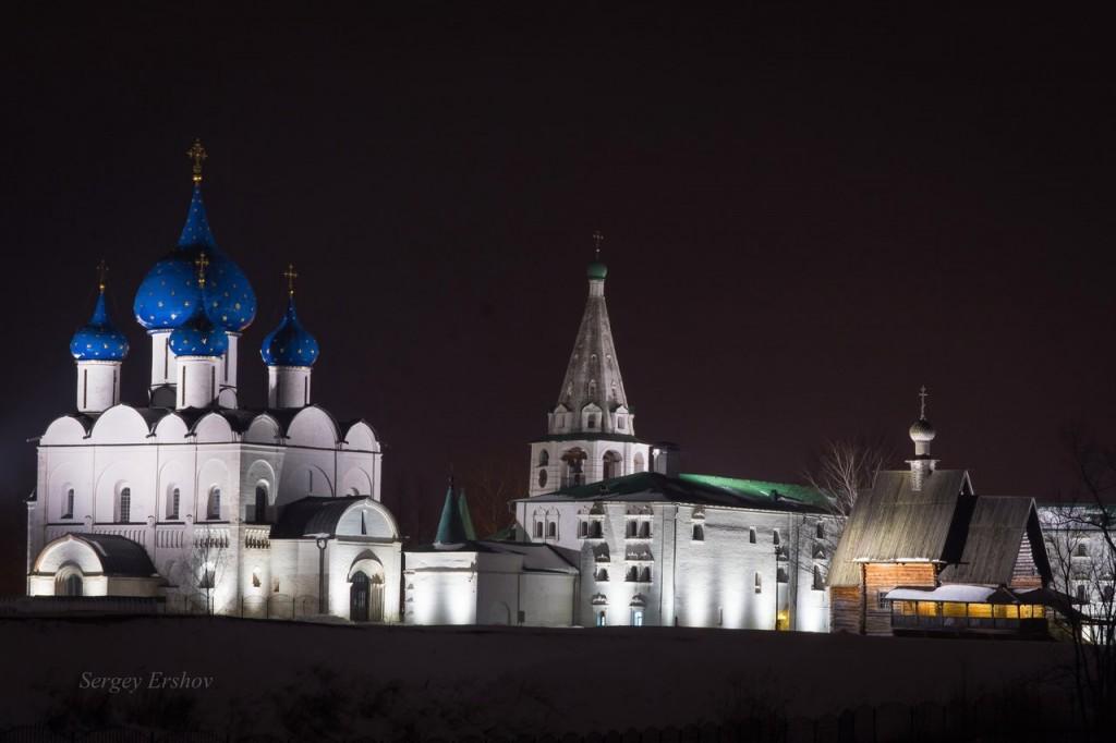 Март. Полночь. Суздальский кремль