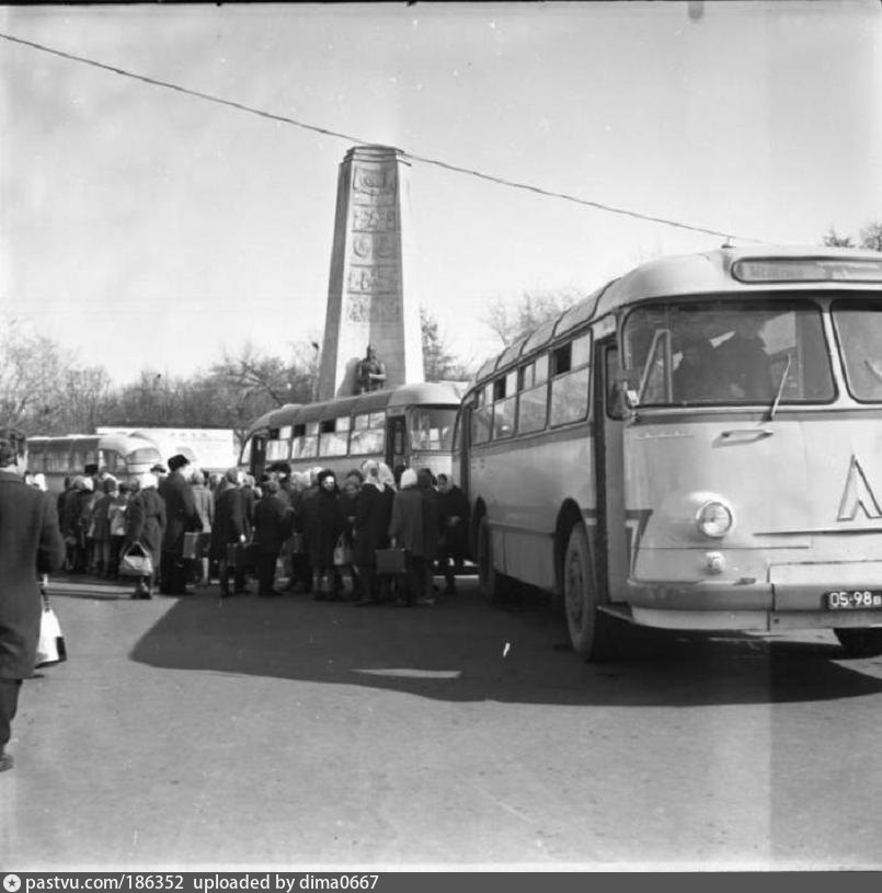 Служебный и туристические автобусы во Владимире 1960-е, 70-е, 80-е годы
