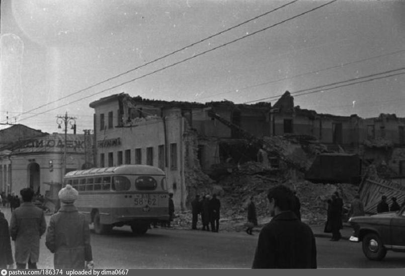 Снос старой гостиницы Клязьма 1967, Россия, Владимирская область,