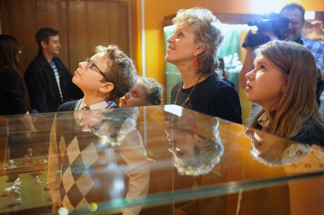 Выставка «Фарфоровая хрупкость фауны» в музее природы 04