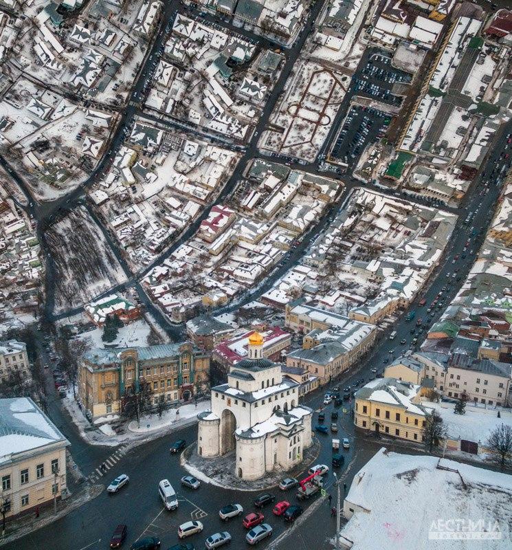Город Владимир под наклоном